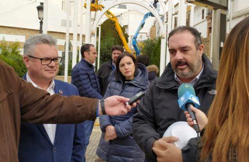 El Alcalde de Puente Genil visita las obras de la reconstrucción del volumen de la Ermita de Santa Catalina