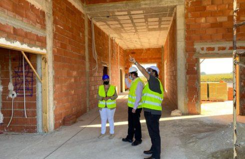 Visita de obra al Tanatorio de Moriles con la Alcaldesa de la localidad.